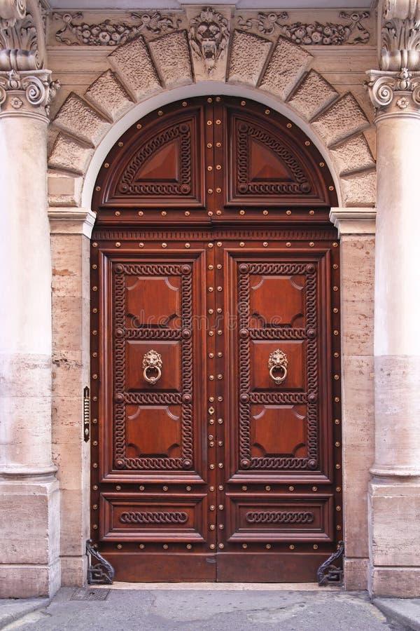 Puertas del arco fotos de archivo imagen 29243213 - Arcos decorativos para puertas ...