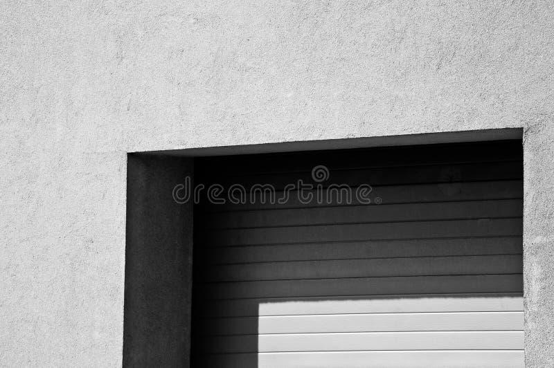 Puertas del garage de Minimalistic, imagenes de archivo