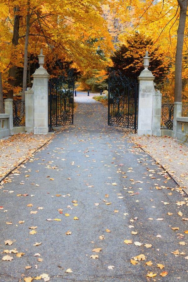 Puertas del parque imagen de archivo
