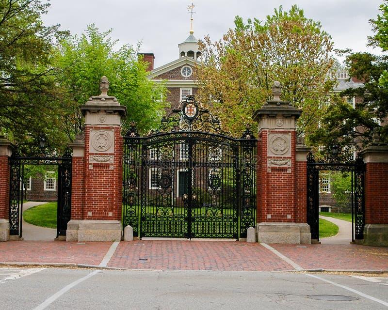 Puertas delanteras históricas de Brown University imagen de archivo