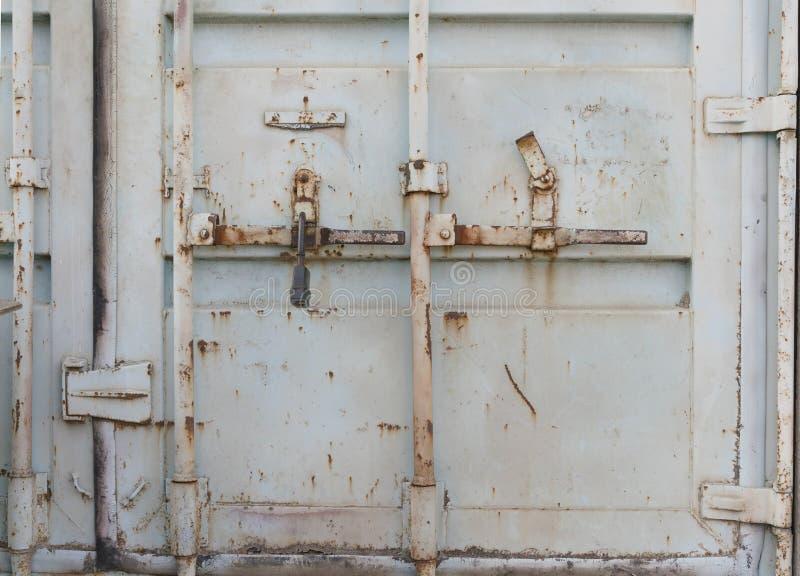 Puertas dobles del contenedor del metal fotos de archivo libres de regalías