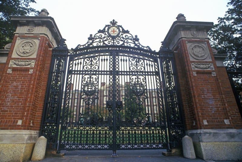 Puertas en la entrada a Brown University, providencia, RI fotografía de archivo