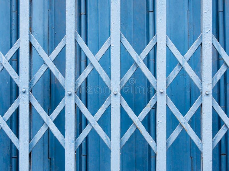 Puertas horizontales del obturador fotos de archivo libres de regalías