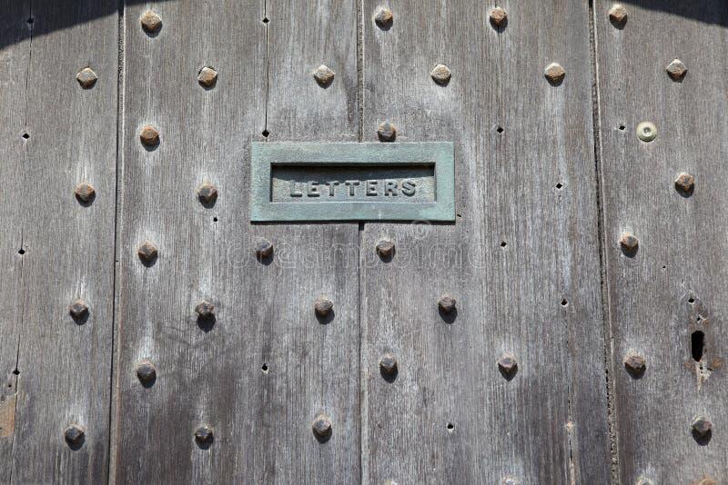 Puertas Inglesas Con La Ranura De Correo Imagenes de archivo
