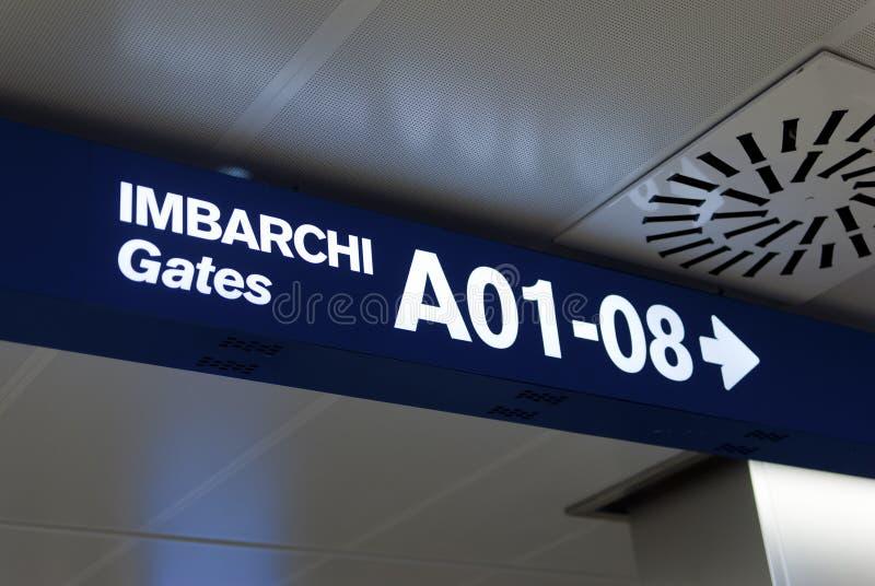 Puertas italianas del aeropuerto imagen de archivo