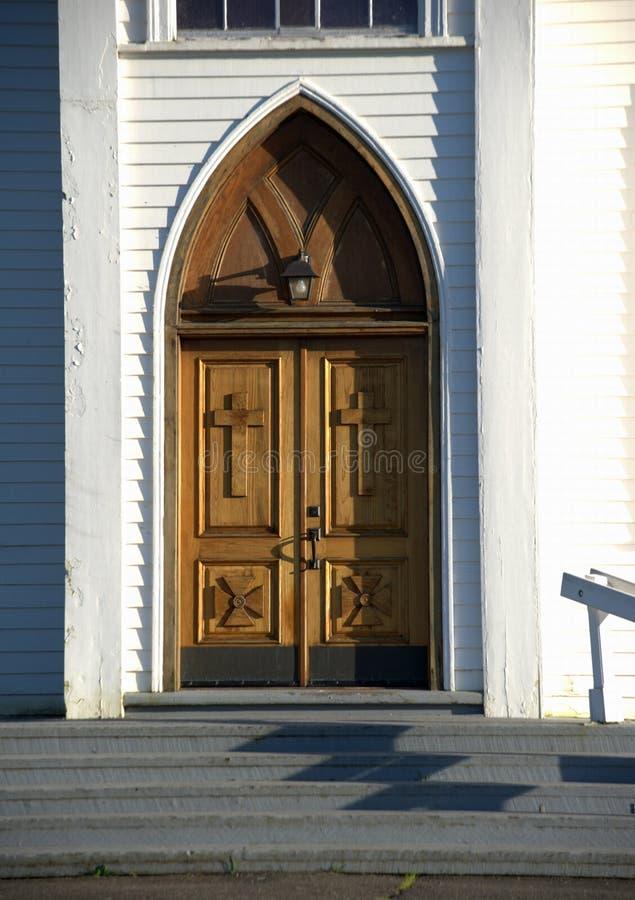 Puertas talladas, iglesia del St. Teresa imágenes de archivo libres de regalías