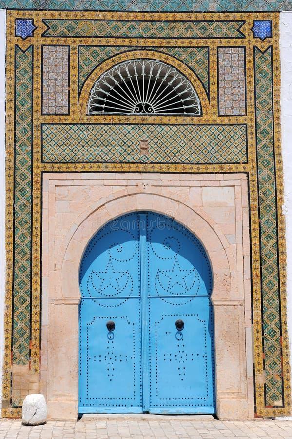 Puertas tunecinas azules imagen de archivo libre de regalías