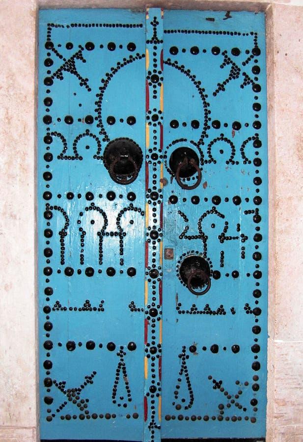 Puertas tunecinas azules fotografía de archivo