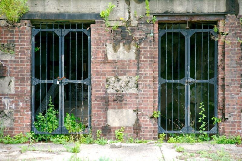 Puertas viejas de la arcón en Sandy Hook New Jersey foto de archivo libre de regalías