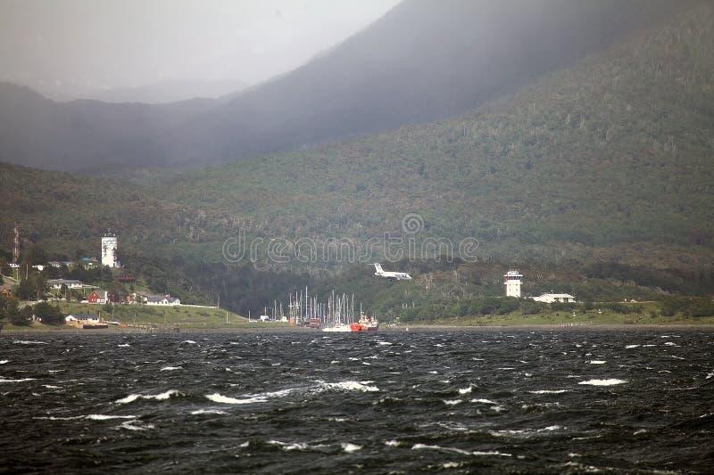 Puerto Ουίλιαμς στο νησί Navarino που αντιμετωπίζει το κανάλι λαγωνικών, Χιλή στοκ εικόνα
