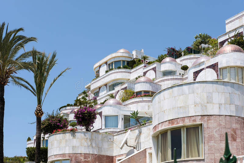 PUERTO BANUS ANDALUCIA/SPAIN - MAY 26 : Luxury accommodation in royalty free stock photos
