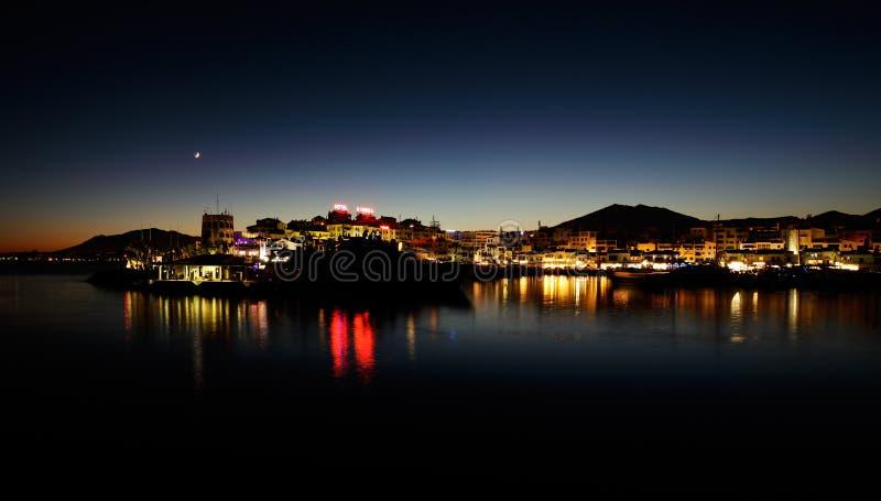 Puerto Banus in Marbella, Spanje bij nacht royalty-vrije stock foto's