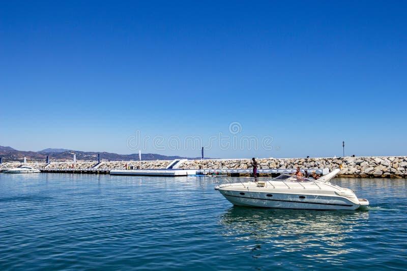 Puerto Banus, Nueva Andalucía, Marbella, España imagenes de archivo