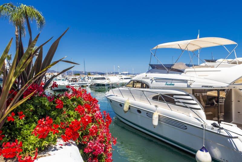 Puerto Banus, Nueva Andalucia, Marbella, Spanien arkivfoton