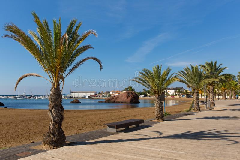 Puerto de马萨龙西班牙Playa de la艾米塔区海滩许多美丽的海滩一在这个西班牙海岸镇 库存图片