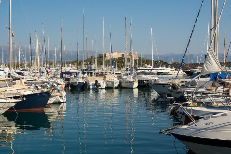 Puerto de Antibes en la riviera francesa fotografía de archivo libre de regalías