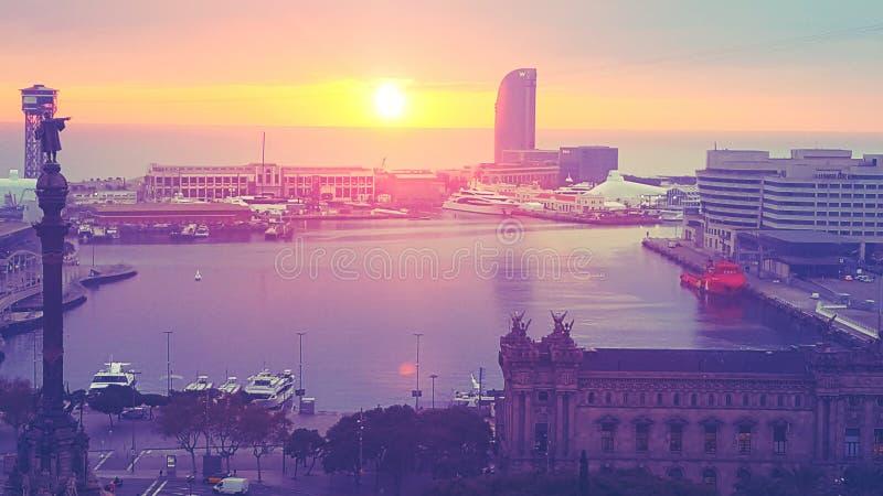 Puerto de Barcelona puesta de Solenoid fotografering för bildbyråer