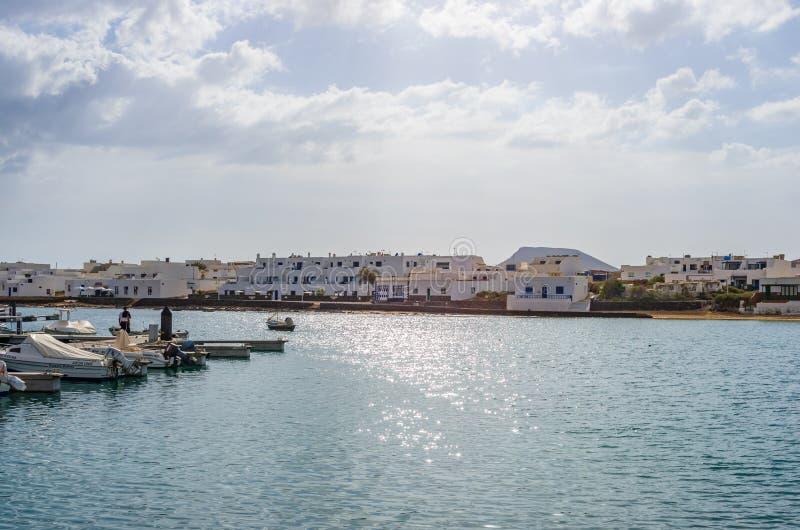 Puerto de Caleta de Sebo en la isla de Graciosa del La fotografía de archivo