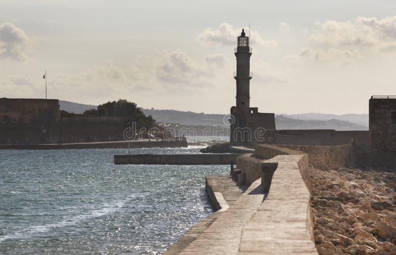 Puerto de Chania y faro veneciano crete fotografía de archivo libre de regalías