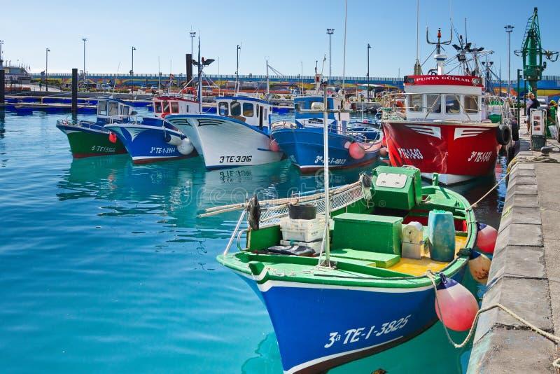 Puerto de ciudad del Los Cristianos, Tenerife Islas Canarias fotos de archivo libres de regalías