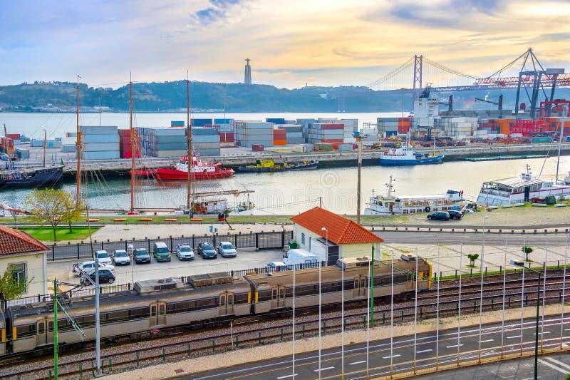 Puerto de Comercial de Lisboa, Portugal fotografía de archivo