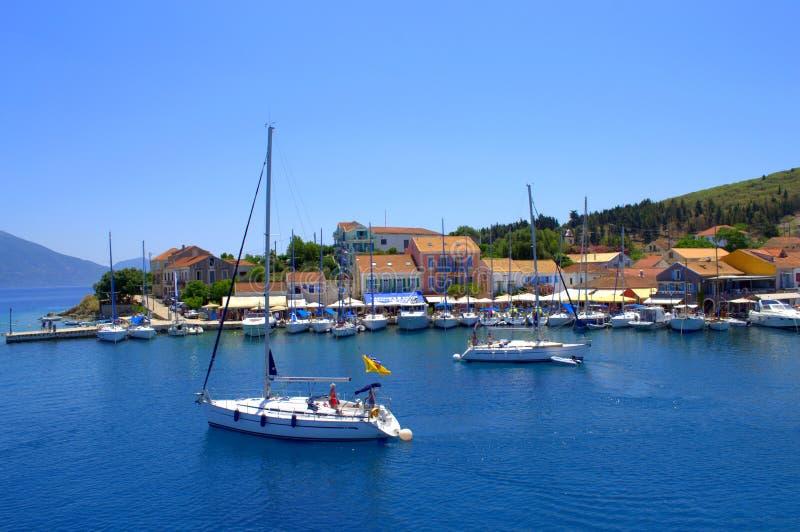 Puerto de Fiskardo, isla Grecia de Kefalonia fotografía de archivo