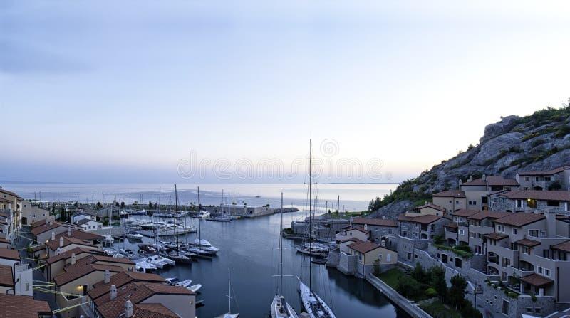 Puerto de flautín de Oporto en la puesta del sol imagenes de archivo