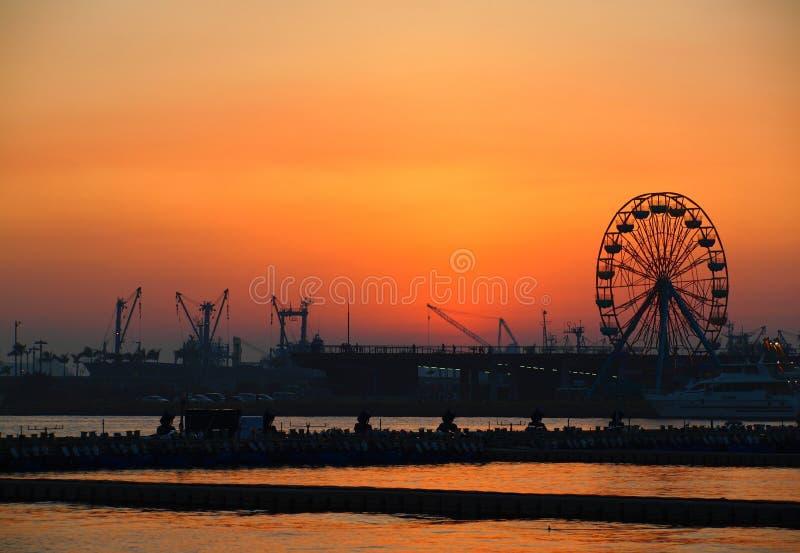 Puerto de Kaohsiung en la oscuridad imagenes de archivo