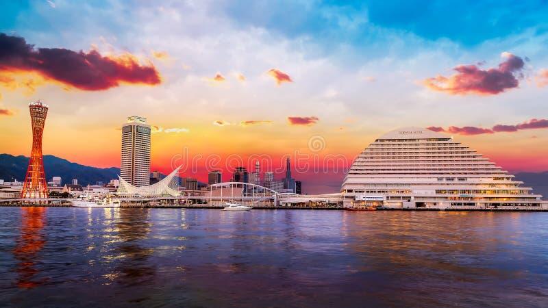 Puerto de Kobe con Kobe Port Tower fotografía de archivo