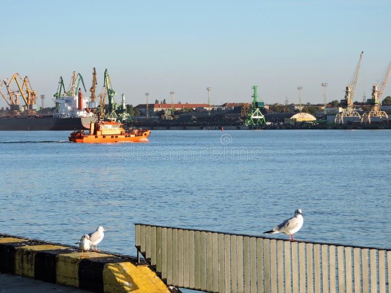 Puerto de la ciudad de Klaipeda, Lituania imagen de archivo