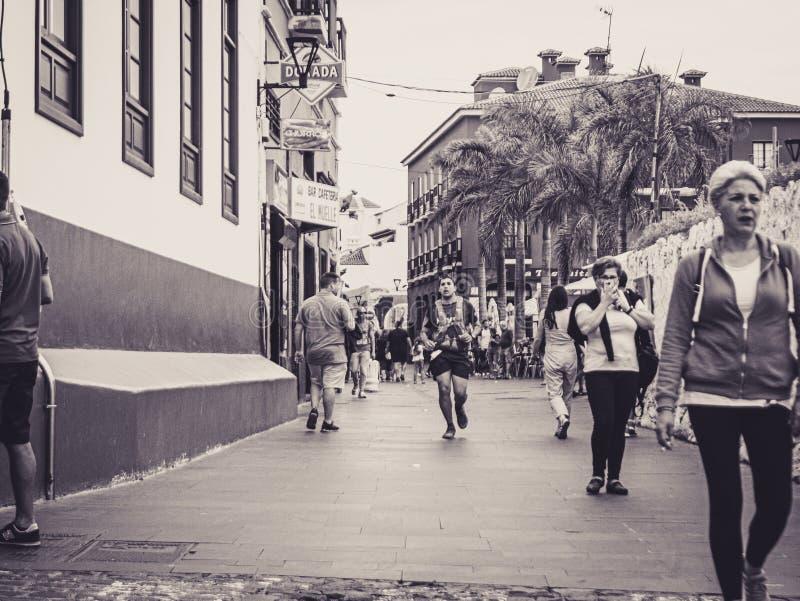 Puerto de la Cruz, Teneriffa 08 06 Teneriffa 2019 Bluetrail lizenzfreie stockbilder
