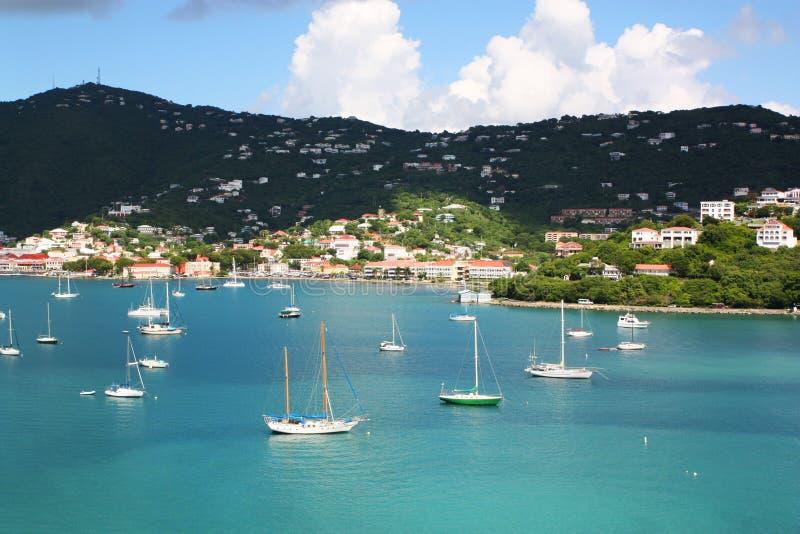 Puerto de la travesía de Charlotte Amalie, St Thomas USVI foto de archivo