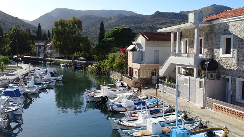 Puerto de Lagkada en Quíos, Grecia foto de archivo libre de regalías