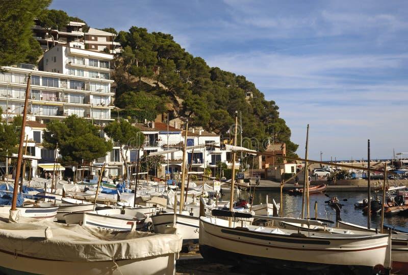 Puerto de Llafranc, Costa Brava, Girona, España imágenes de archivo libres de regalías