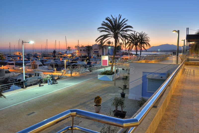 Puerto de Marbella, Costa del Sol, España imagen de archivo
