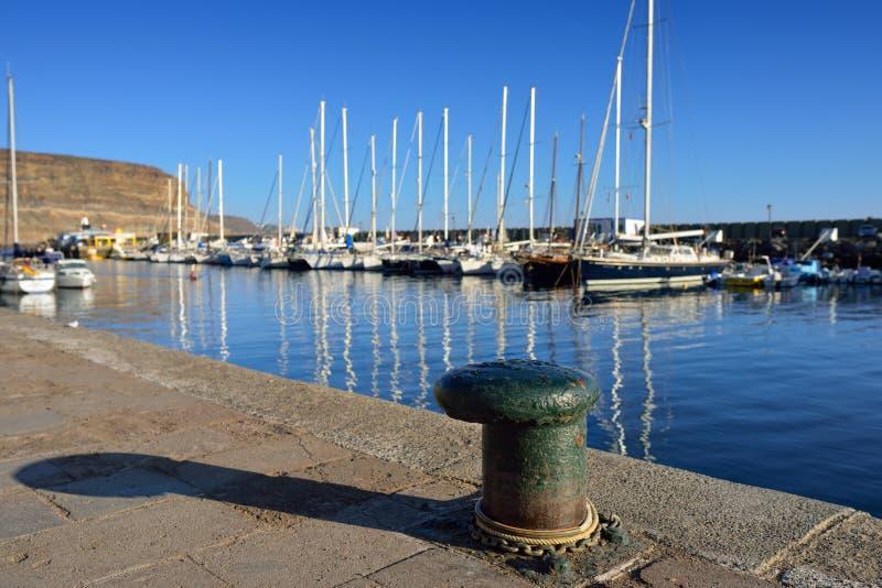 Download Puerto DE Mogan, Gran Canaria Stock Afbeelding - Afbeelding bestaande uit quayside, apparaat: 39104265