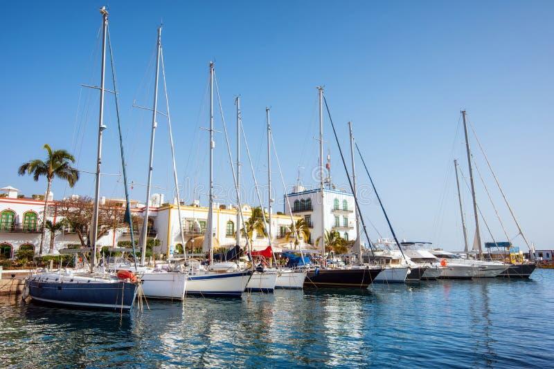 Puerto DE Mogan jachthaven, kleine vissershaven, beroemde toeristische bestemming in Grote Kanarie, Canarische Eilanden, Spanje stock foto