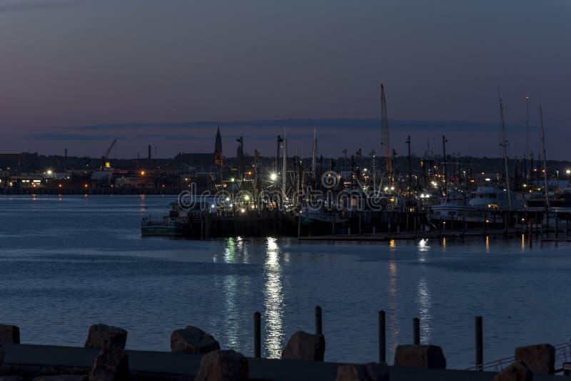 Puerto de New Bedford después de la puesta del sol imagen de archivo libre de regalías