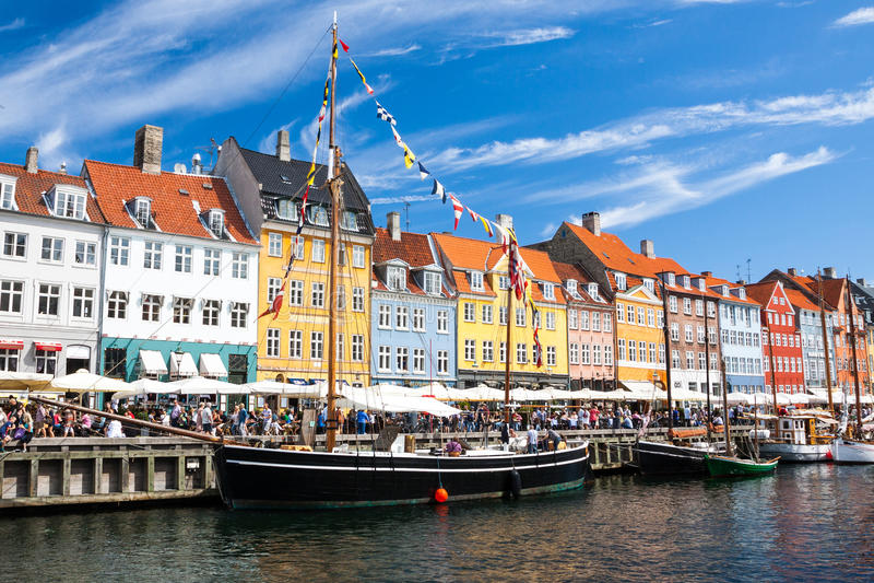 Puerto de Nyhavn en Copenhague, Dinamarca imágenes de archivo libres de regalías