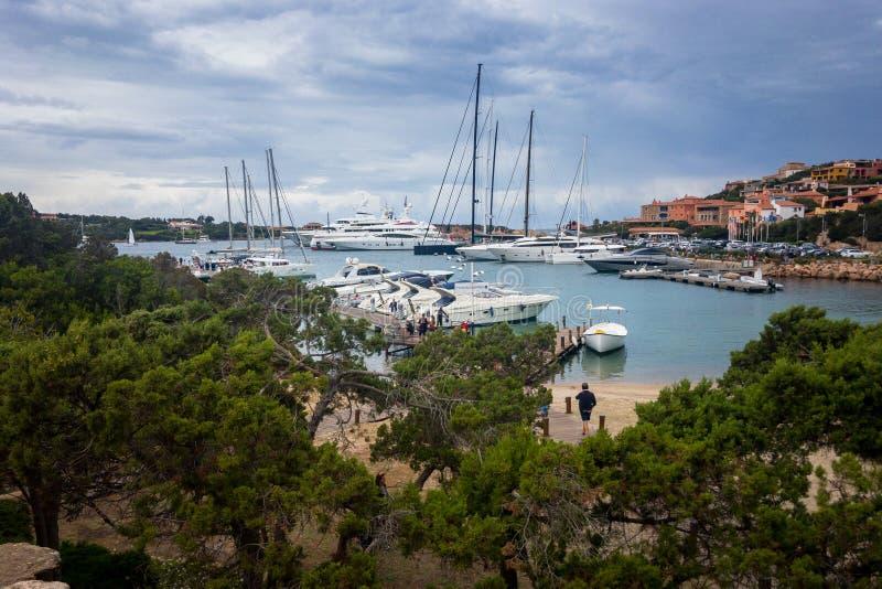 Puerto de Oporto Cervo, Costa Smeralda, Italia foto de archivo libre de regalías