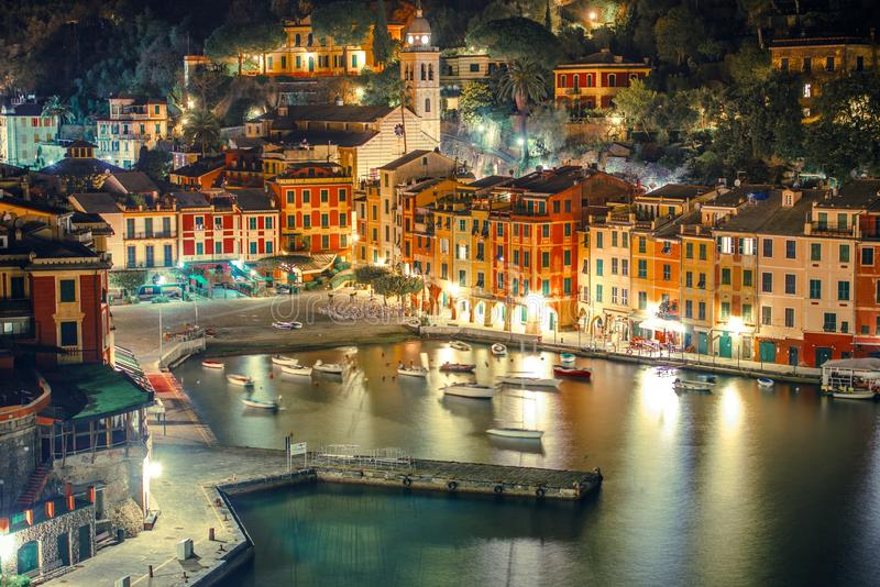 Puerto de Portofino en la noche imagenes de archivo