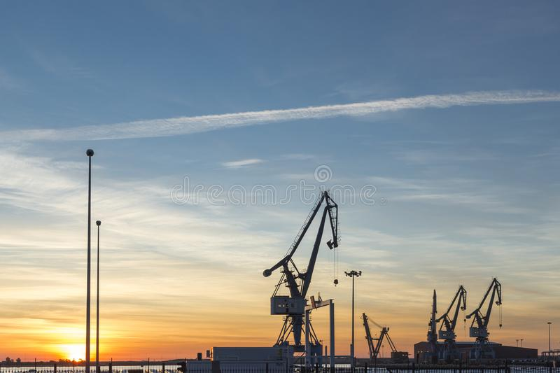 Puerto de Sagunto, visualizzazione parziale della porta mercantile, Spagna immagini stock