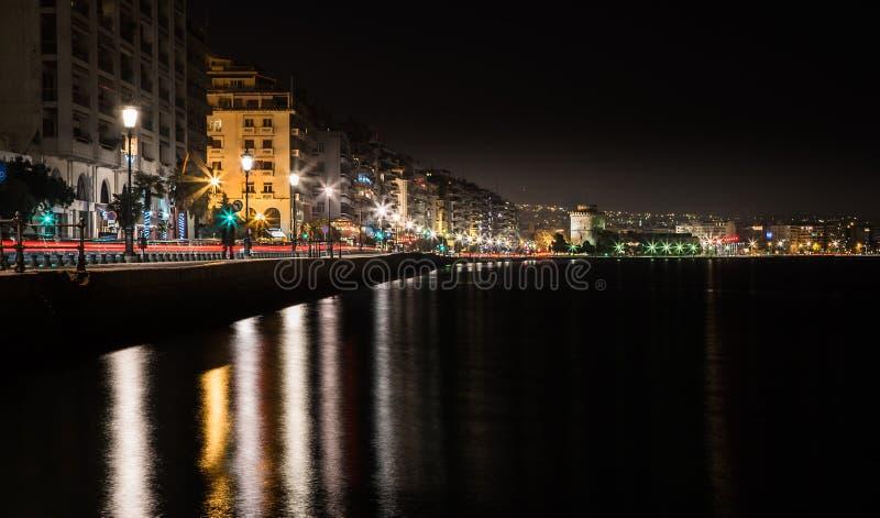 Puerto de Salónica y torre blanca fotografía de archivo