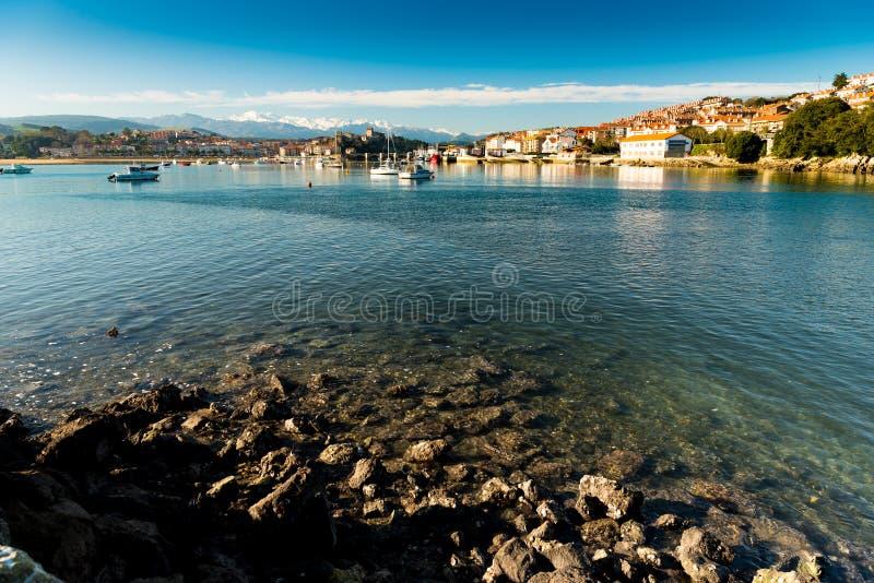 Puerto de San Vicente de la Barquera Santander Cantabria españa imagen de archivo