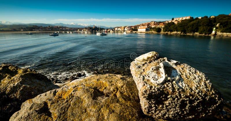 Puerto de San Vicente de la Barquera Santander Cantabria españa imagen de archivo libre de regalías