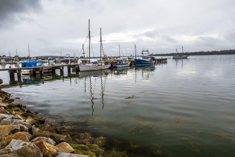 Puerto de St Helens, bahía de fuegos, Tasmania fotos de archivo