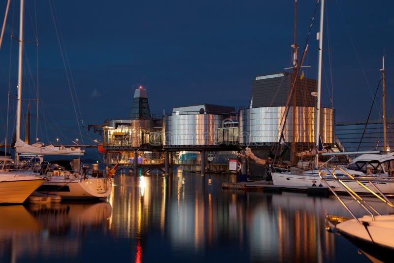 Puerto de Stavanger en la noche fotos de archivo