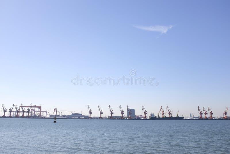 Puerto de Tianjin, también conocido como Xingang, China imagen de archivo