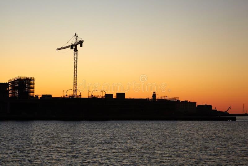 Puerto de Trieste en la puesta del sol imágenes de archivo libres de regalías