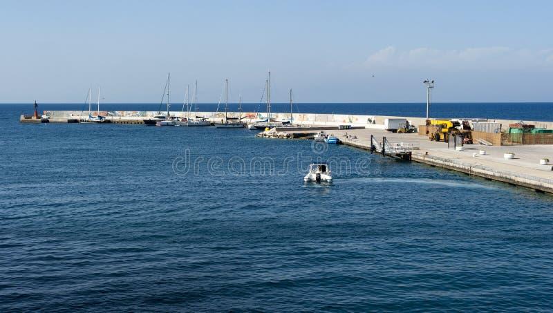 Puerto de Ventotene imágenes de archivo libres de regalías